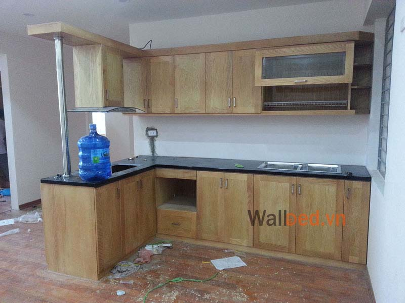 Tủ bếp bằng gỗ sồi tự nhiên