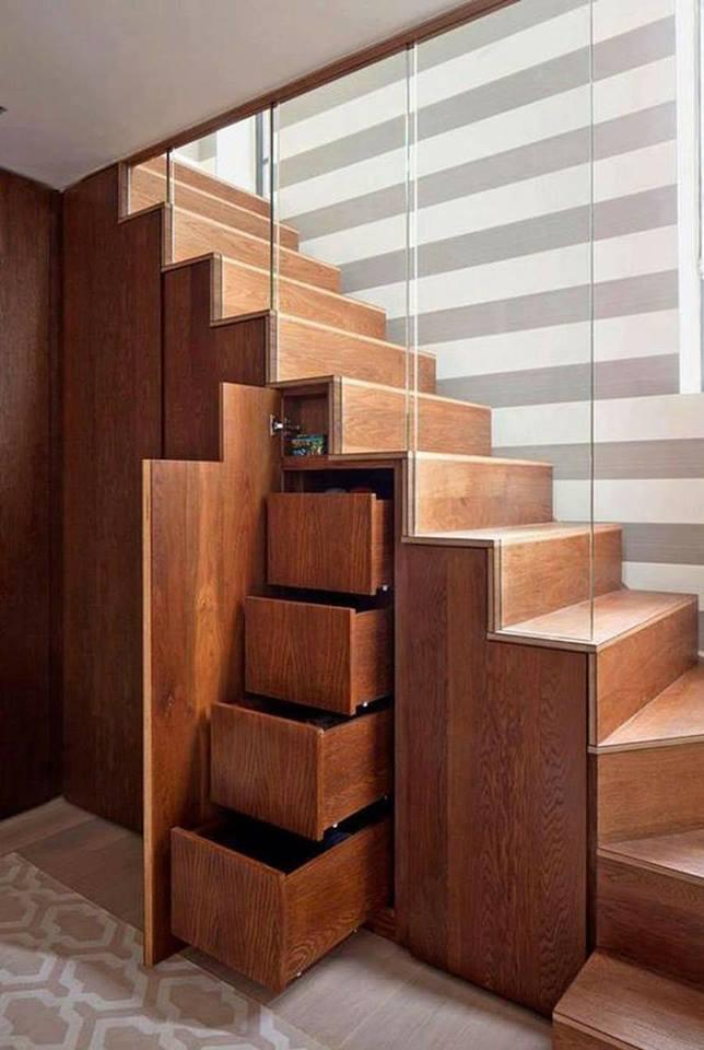 không gian gầm cầu thang